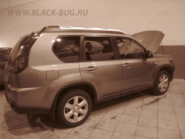 nissan_x-trail black bug